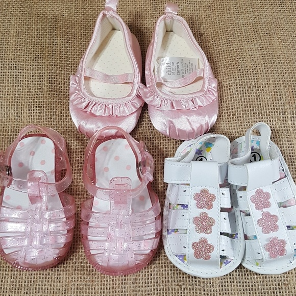 c6905da155ce4 ✔4@$30✔ Baby Girl Shoe Bundle Size 1 (0-3 months)